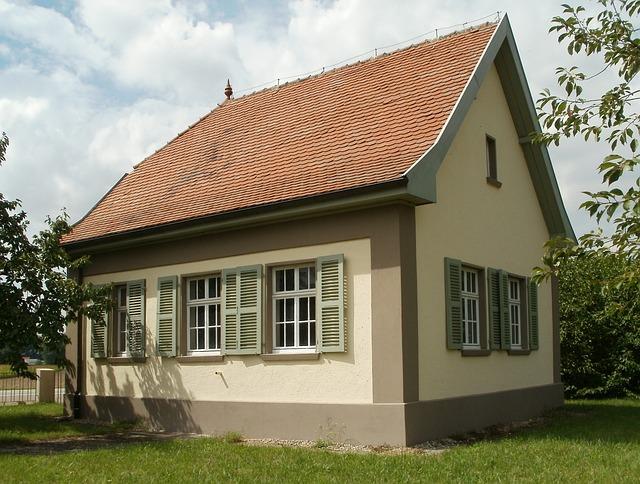 domek, červená střecha