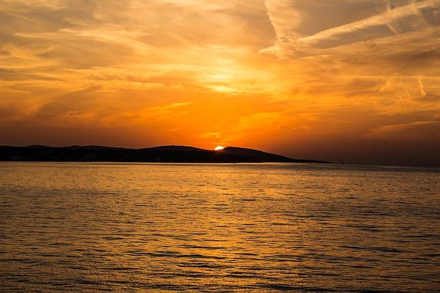 západ slunce, moře, ostrov