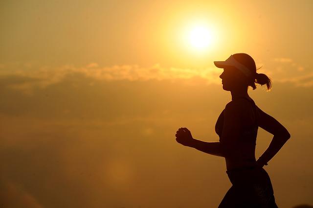 běžkyně za soumraku